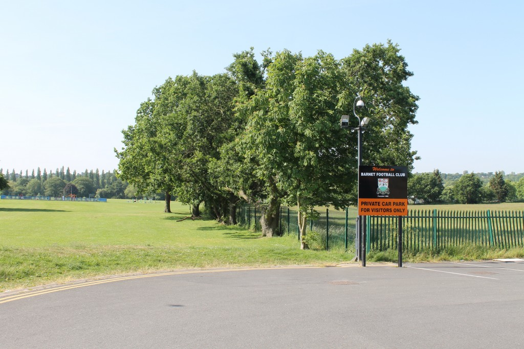Barnet Playing Fields Underhill2